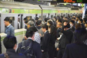 満員電車のタックル問題